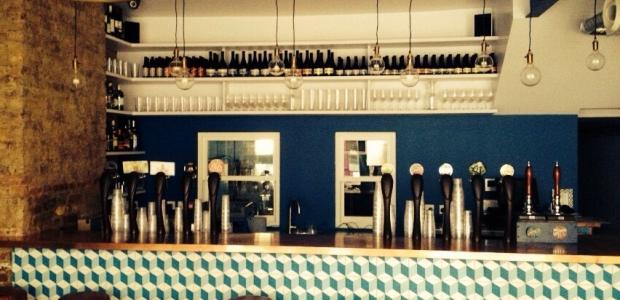 L'interno della birreria The Italian Job.